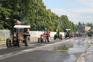 Parada traktorów. Relacje z imprezy dla miłośników Ursusa.